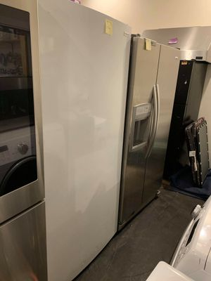 Brand new Frigidaire upright freezer with lite scratches and dents for Sale in Halethorpe, MD