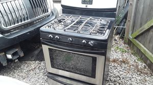 Nice Kenmore stainless steel gas propane stove missing the burner tops only 120 at Kenmore asking 300 negotiable for Sale in Houston, TX