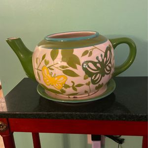 Tea Pot & Saucer Flower Pot for Sale in Upper Marlboro, MD