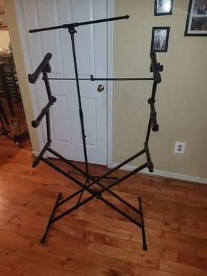 Keyboard stand and microphone stand for Sale in Manassas, VA