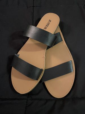 Women's size 8 dual strap sandal Black for Sale in Stamford, CT