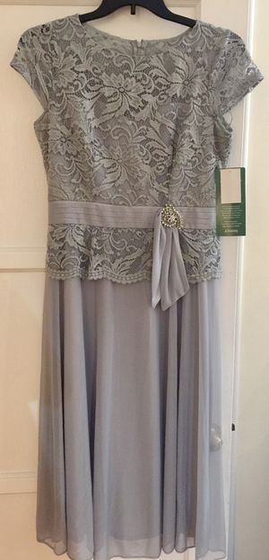 Beautiful formal dress! Size 12 silver grey for Sale in Alhambra, CA