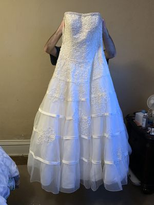 Ivory wedding dress size 12 for Sale in Glen Dale, WV