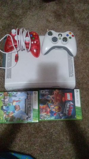 Xbox 360 2 controlers and minecraft and the lego movie game for Sale in Temecula, CA