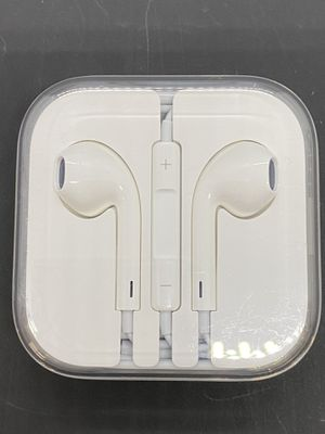 Apple EarPods with 3.5mm Headphone Plug for Sale in Poway, CA