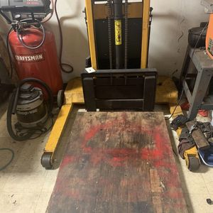 Big Joe Fork Lift for Sale in Roselle, IL