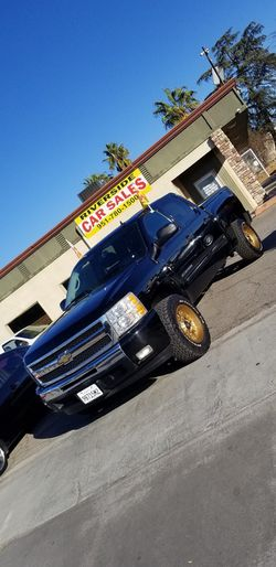 2011 CHEVY SILVERADO for Sale in Riverside,  CA