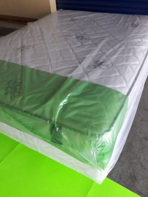 NEW QUEEN MATTRESS AND BOX SPRING 🌞 FREE DELIVERY WEST PALM BEACH AREA🚚🚚 🏠🌝🌴 for Sale in Lake Park, FL