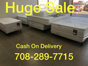 ORTHOPEDIC PILLOWTOP MATTRESS AND BOXSPRING for Sale in Bolingbrook, IL