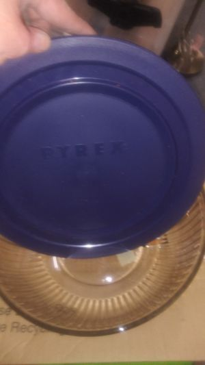 Pyrex glass bowls with Lid's and carriers for Sale in Federal Way, WA