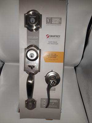 Over 60% OFF RETAIL<<retail $140>>Kwikset Satin Nickel Single Cylinder Door Handleset SmartKey Security w deadbolt. Handle & deadbolt have locks. for Sale in Dallas, TX