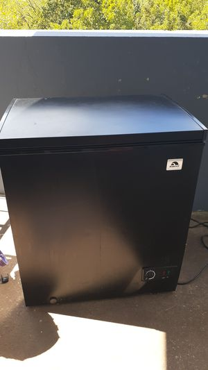 Igloo freezer for Sale in Silver Spring, MD