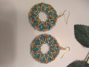Ladyes earrings round Elegants for Sale in Union City, GA