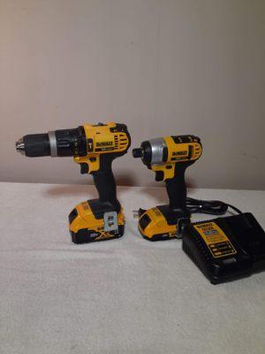 Dewalt 2pc drill combo kit 20v for Sale in Fairview, TX