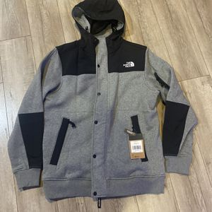 North Face & Patagonia Jackets! Brand New And Great Price for Sale in Santa Cruz, CA