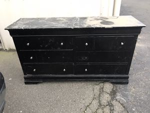Dresser set with mirror and two night stands for Sale in Patterson, CA