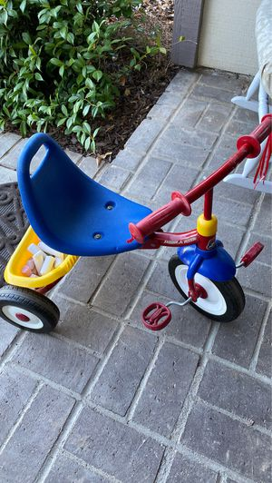 Radio Flyer Fold 2 Go bike toddlers so cute and fun tricycle for Sale in Poway, CA