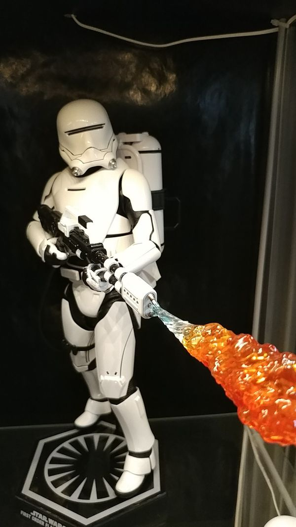 Hot Toys Flametrooper 1:6 scale