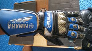 Yamaha motorcycle gloves for Sale in Lincoln Acres, CA