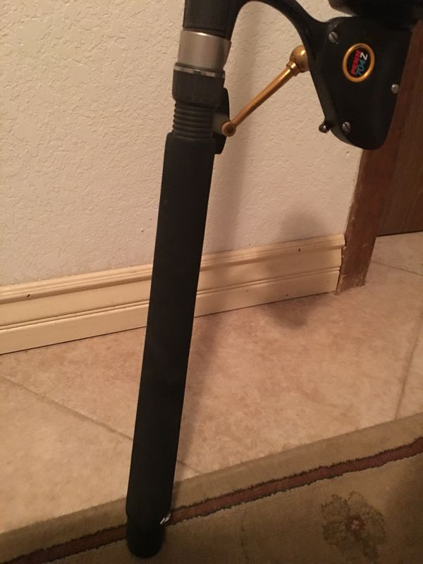 FISHING POLE PENN SLAMMER 8' ROD & PENN 704Z REEL