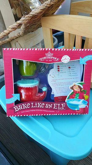 Hallmark bake like an elf set for Sale in Fresno, CA