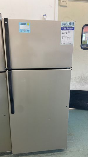 Faux stainless top freezer refrigerator on sale now for Sale in Littleton, CO