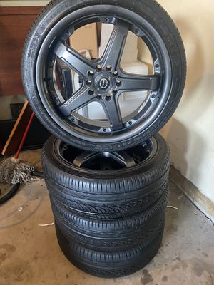 215/40R18 semi Nuevos for Sale in Elgin, IL
