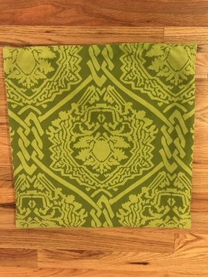 "Crate & Barrel Pillow Case - Green (18""x18"") for Sale in San Antonio, TX"