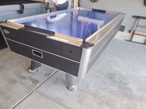 Working air hockey table for Sale in Moreno Valley, CA
