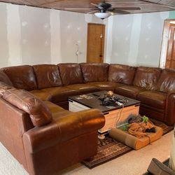 6-piece Sectional Couch for Sale in White Lake charter Township,  MI