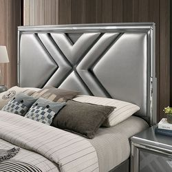 ART DECOR GLAM LED LIGHT QUEEN SIZE BED ACRYLIC FEET STORAGE FOOTBOARD DRAWERS - CAMA for Sale in Bell Gardens,  CA