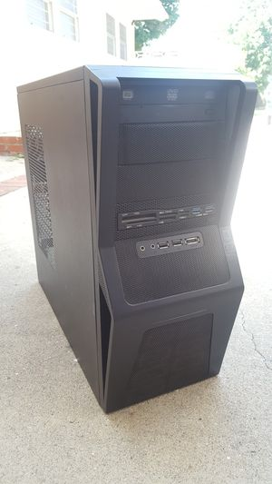 NZXT Gamma gaming desktop PC case with USB 3.0 & Card reader for Sale in Claremont, CA