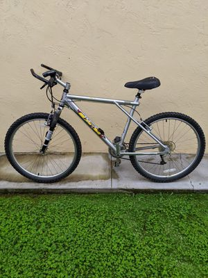 GT Mountain Bike (Hardtail) - Large Frame for Sale in San Diego, CA