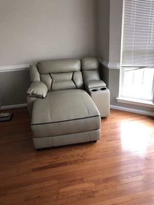 Brand new grey color leather power recliner chase sofa with console,cup holder and storage space for Sale in Ashburn, VA