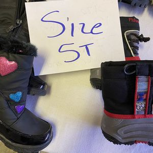 Snow Boots Size 5t $20 Each for Sale in Surprise, AZ