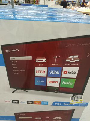 Wall TCL roku smart tv 43inch for Sale in Homestead, FL