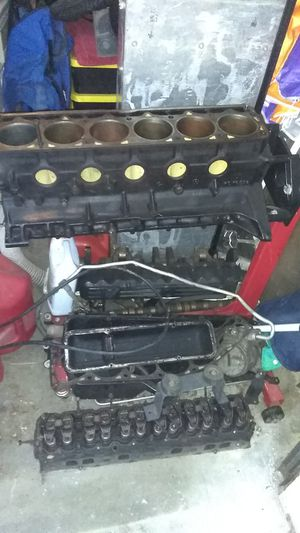 Inline 6 cylinder motor for Jeep cherokee for Sale in Stanwood, WA