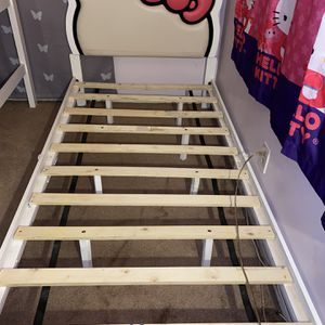 Twin Hello Kitty Bed for Sale in Beaumont, CA