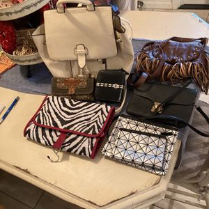Assorted Purses And Handbags for Sale in Visalia, CA