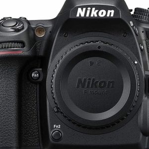 Nikon D750 FX-format Digital SLR Camera Body Only. Camera was very well taken care off. Almost no sign of use for Sale in Greater Upper Marlboro, MD