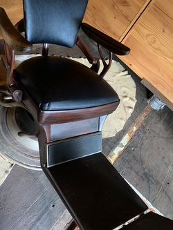 Vintage / Antique Dentist Chair for Sale in Portland,  OR