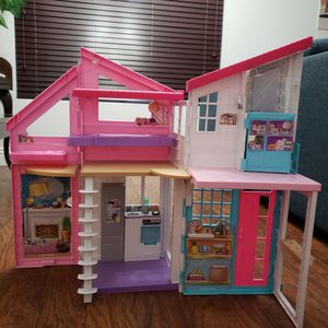 Foldable Barbie House for Sale in Tijuana, MX