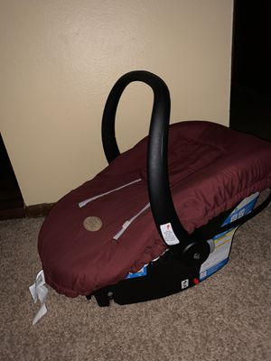 Infant car seat with car seat winter cover for Sale in West Des Moines, IA