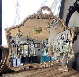 Antique Ornate Gold Mirror for Sale in Milwaukie,  OR