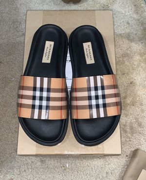 BURBERRY VINTAGE SLIDES for Sale in Daly City, CA