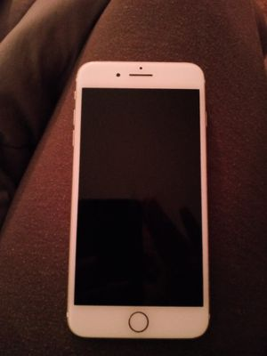 iPhone 7 plus (UNLOCKED) for Sale in Springfield, MA