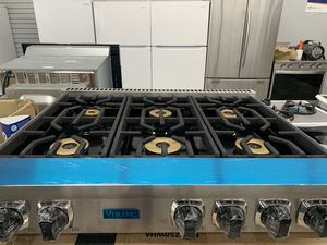 "Viking 36"" range top in stainless steel new open box for Sale in Rialto, CA"