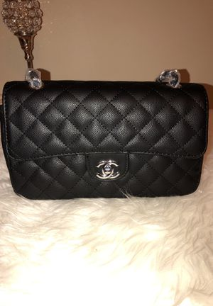 Chanel medium size sling bag for Sale in Philadelphia, PA