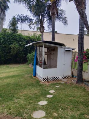 Walk-in Bird Cage. for Sale in San Marcos, CA