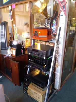 Home electronics for sale 🎶 CD changers receivers radios and more for Sale in St. Louis, MO